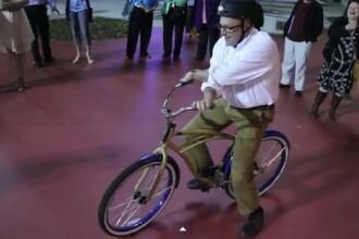 Bicicleta care iti suceste mintea, la propriu. VIDEO