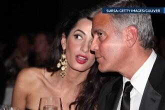 George Clooney a stat aproape 30 de minute in genunchi, cand a cerut-o in casatorie pe Amal. Viitoarea sotie era socata