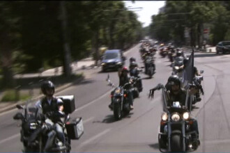 2500 de motociclisti au defilat prin centrul Capitalei.