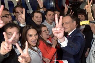 Andrzej Duda a castigat alegerile prezidentiale din Polonia cu 51,55% din voturi. Pe cine ar putea aduce polonezii la putere