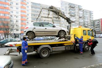 Maşinile parcate neregulamentar pe domeniul public vor fi ridicate, începând de sâmbătă