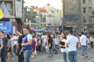 Parada Liceelor a adunat in centrul Capitalei 12.000 de elevi. Incidentul violent in care au fost implicate 20 de persoane