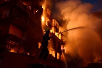 Incendiu urias in Cairo. 81 de oameni au fost raniti dupa ce flacarile au cuprins cinci cladiri. FOTO