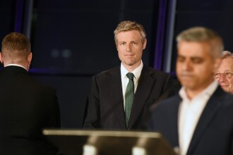 Candidatul extremei-drepte i-a intors spatele primarului musulman al Londrei, la discursul victoriei. VIDEO
