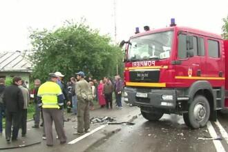 O femeie de 61 de ani a murit, dupa ce a intrat cu masina sub rotile unui TIR.