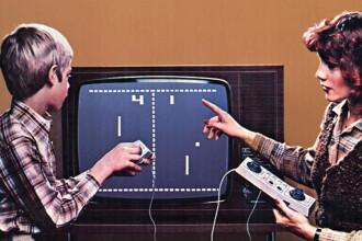 """Consolele de jocuri ale bunicilor, testate la iLikeIT. """"Pong"""" functioneaza si dupa 40 de ani"""