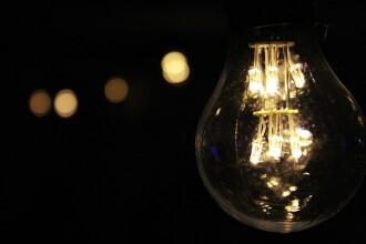 Racordarea la reţeaua de energie electrică, gratuită pentru toţi românii. De când se aplică măsura