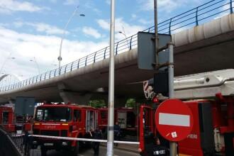 Incendiu intr-o cladire de birouri din Bucuresti, in apropiere de Podul Basarab. Zeci de persoane au fost evacuate. FOTO