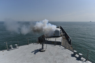 Exercitiu militar romano-francez in Marea Neagra. O nava ruseasca a supravegheat tragerile de artilerie ale fregatelor