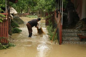 COD ROSU de inundatii in Vrancea. Zeci de gospodarii si mai multe terenuri arabile au fost inundate