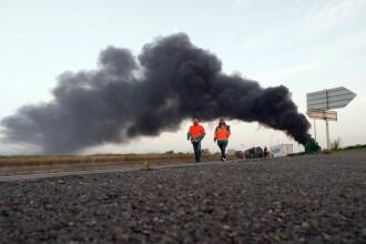 Protestele din Franta iau amploare. Traficul aerian si feroviar sunt afectate, iar centralele nucleare isi reduc productia