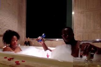 Au vrut sa faca o baie romantica, dar totul a luat o intorsatura neasteptata. Ce s-a intamplat cu cei doi. VIDEO