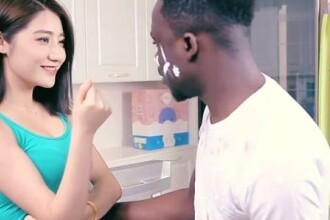 Cea mai rasista reclama? O firma de detergenti si-a cerut scuze dupa spotul in care un negru e spalat, pana devine asiatic