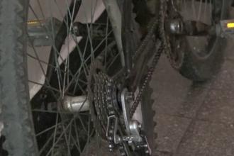 A imprumutat bicicleta fara frane a unui amic si a coborat in viteza o panta. Ce a urmat pentru adolescenta din Maramures