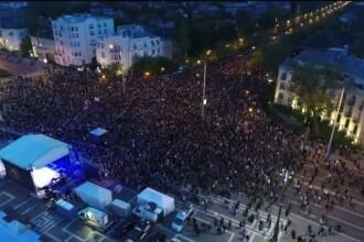 Protest masiv la Budapesta. Mii de oameni au marsaluit pe strazile din capitala Ungariei intr-o manifestatie pro UE
