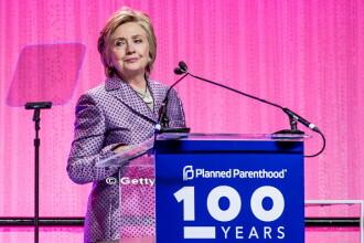 Hillary Clinton si-a asumat vina pentru pierderea alegerilor din SUA, dar sustine ca FBI si Rusia l-au ajutat pe Donald Trump