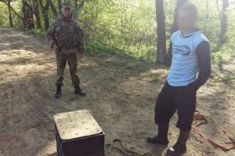 Vamesii au oprit un barbat care incerca sa treaca in Rusia cu 8 cutii din plastic. Ce ascundea contrabandistul in ele