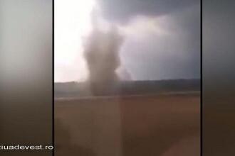 Tornada filmata la granita Romaniei. Imagini impresionante cu fenomenul meteo