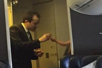 O mama a coborat din avion plangand, dupa ce bebelusul sau a plans fara oprire. Cum au reactionat membrii echipajului