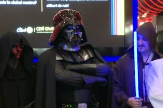 Un liceu a fost evacuat de urgenta dupa ce un elev a mers imbracat in Darth Vader. Un parinte a crezut ca este un atacator