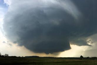 Romania, in alerta meteo, dupa ce un val de tornade a lovit Ungaria. Cod portocaliu de inundatii in 4 judete din sudul tarii