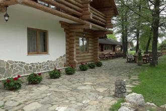 Bucovina a devenit destinatie turistica de lux, recomandata bogatilor lumii. Reactia unor turisti americani dupa un sejur