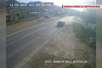 Accident spectaculos surprins de camerele de supraveghere pe un drum din Neamt. Cum s-a petrecut