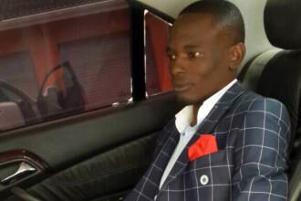Un pastor african sustine ca are numarul de telefon al lui Dumnezeu. VIDEO Momentul in care
