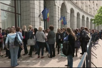 Angajatii de la Finante din toata tara, protest spontan. Activitatea ANAF si a punctelor vamale, paralizata mai multe ore