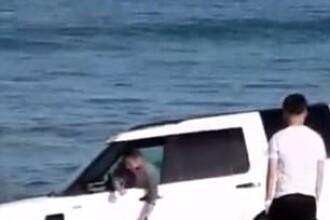 Si-a dus masina pe plaja pentru a face poze, insa ce a urmat l-a panicat atat de tare incat a chemat politia. VIDEO