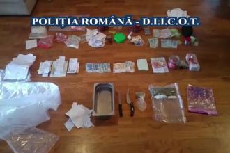 Patru suspecti, prinsi in flagrant cand ridicau un colet din Spania. Ce valoare avea pachetul si ce continea