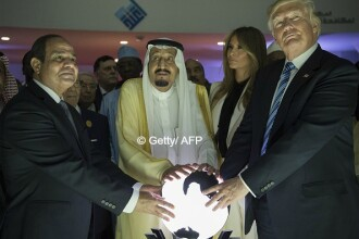 Trump sugereaza ca se afla in spatele deciziei tarilor arabe de a izola Qatar-ul:
