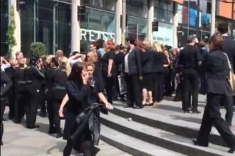 Autoritatile britanice sunt in alerta. Un mall din Manchester evacuat dupa ce martorii au reclamat o