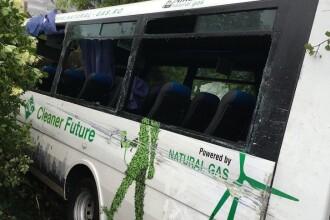 Accident grav intre Ramnicu Valcea si Calimanesti. Un autocar a intrat intr-o casa din cauza vitezei