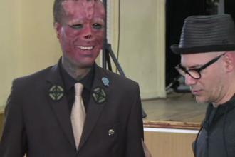 Cei mai cunoscuti artisti tatuatori din lume sunt in vizita la Sibiu. Cum si-a transformat chipul un tanar artist