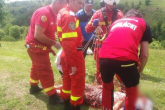 Adolescentul ranit grav in Muntii Rodnei, dupa ce a cazut cu o masina intr-o prapastie, transferat la un spital din Tg. Mures