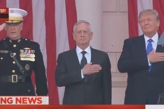 Donald Trump a provocat supararea unor americani. Ce gesturi a facut presedintele in timp ce canta imnul SUA. VIDEO