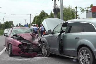 Un sofer care ar fi facut infarct la volan a provocat un accident. Barbatul a decedat, iar alte cinci persoane au fost ranite