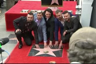 Numele trupei NSYNC a fost cimentat în istorie, pe Hollywood Walk of Fame