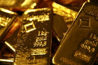 Aur în valoare de 325.000 de dolari, găsit într-un coș de gunoi dintr-un aeroport