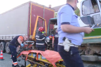 Accident grav provocat de un șofer neatent. Echipajele de descarcerare au intervenit imediat