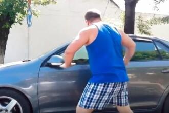 """Şofer atacat de un taximetrist furios în trafic, la Timişoara: """"Cine-i, mă, ţăran?"""""""