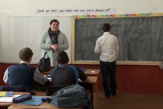 Proiectul CRED: salariu plus bonusuri lunare de până la 4.000 de lei pentru profesori