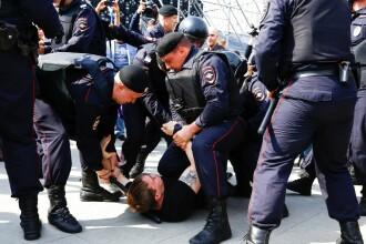 Proteste față de Putin în Moscova. 1.000 de persoane ar fi fost reținute