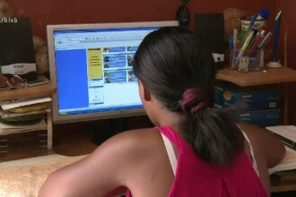 Guvernul a aprobat subvenţii pentru ca elevii şi studenţii să îşi ia computere