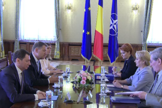 Iohannis insistă să ceară demisia premierului Dăncilă.