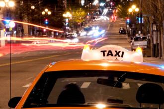 Un şofer de taxi a fugit cu geanta clientei, în care erau peste 100.000 euro