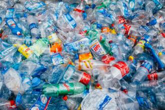 Pedepse dure pentru elevii care vor introduce materiale din plastic în această școală