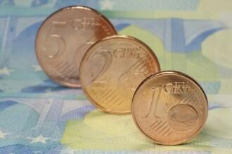 Ziua și minimul istoric pentru leu. Euro marchează al cincilea record din acest an