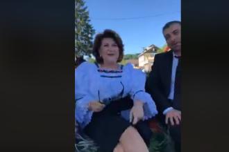 """Liviu Pop și Rovana Plumb, în căruță: """"Parcă suntem Prințesa Diana și Prințul Charles aici"""". VIDEO"""